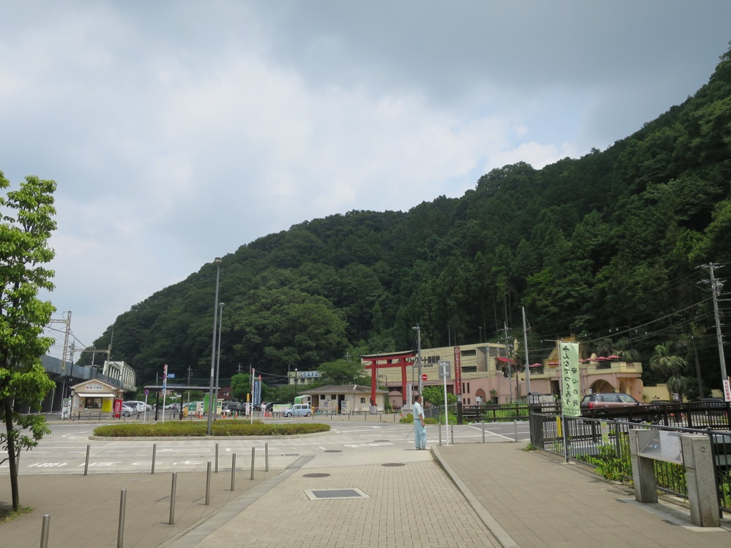 2回目高尾山口駅曇りの様子