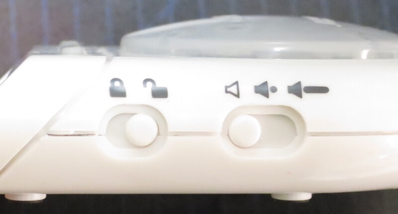 右側面ボタン