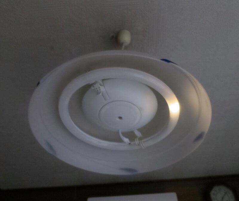アイリスオーヤマの丸形LED取り付け後